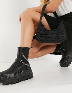 chunky extreme flatform boots in black