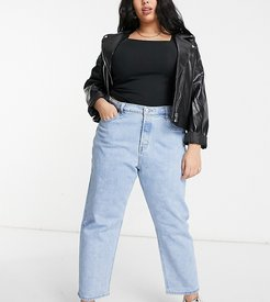 501 cropped jeans in light wash blue-Blues