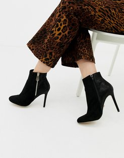 zip up heeled ankle boot in black