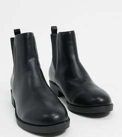 Wide Fit chelsea boots in black