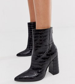 wide fit pointed block heeled boot in black