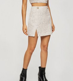 set boucle mini skirt with pearl detail in white