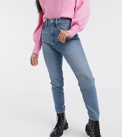 relaxed skinny jeans in mid blue