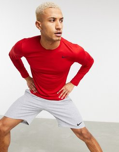 Dri-FIT long sleeve top in red-Yellow