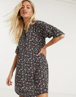 oversized shirt dress in ditsy floral print-Black