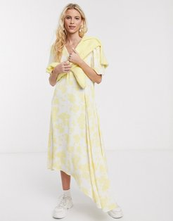 orchid recycled polyester floral asymmetric midi dress in lemon flower-Yellow