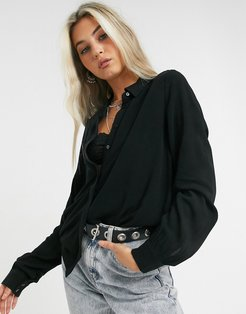 Bay classic button front shirt in black