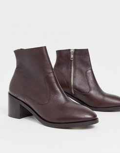 alford block heel leather ankle boots in chocolate-Brown