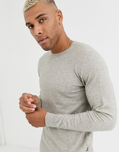 crew neck knitted sweater in light gray