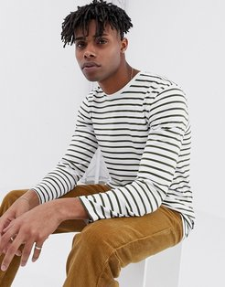 striped long sleeve t-shirt in white
