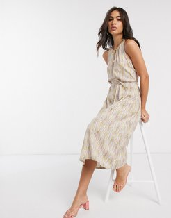midi dress with tie waist in abstract print-Multi
