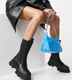 Boston chunky chelsea boots in black