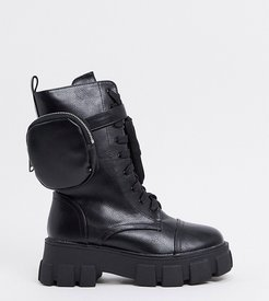 Intention chunky calf boot with pouch in black