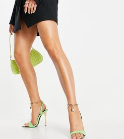 Triumph heeled sandals with padlock anklet in green
