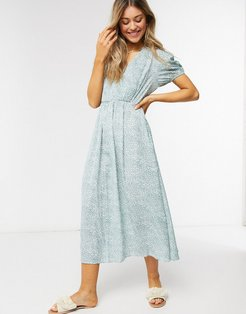 shirred front midi dress in mint ditsy floral-Green