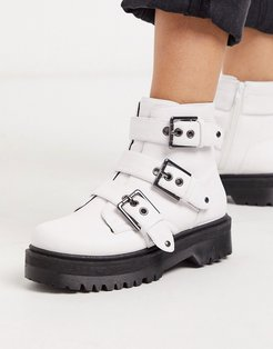 chunky buckle flat boots in white
