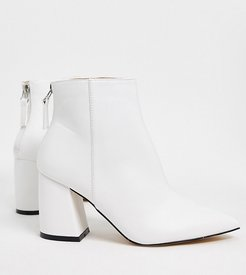 Wynter heeled ankle boots in white