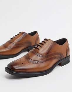 oxford toe cap leather lace up brogues in tan-Brown