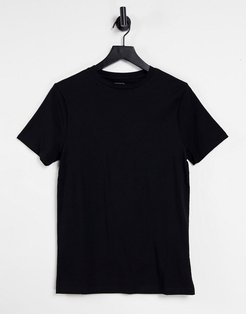 muscle fit crew neck t-shirt in black