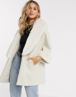 relaxed coat with faux fur trims in cream-White