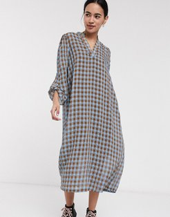Femme midi dress with v neck in textured check-Multi