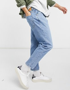 relaxed crop jeans in light blue-Blues