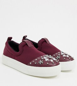 wide-fit studded sneaker in burgundy-Red