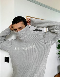high neck chest logo sweater in gray-Grey