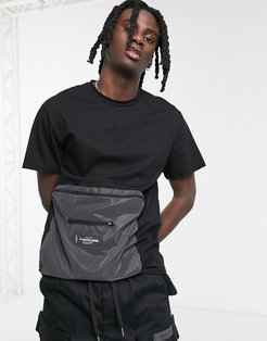 t-shirt with small reflective logo in black