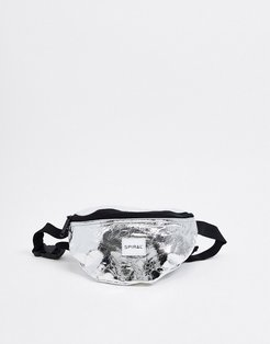 fanny pack in shiny silver