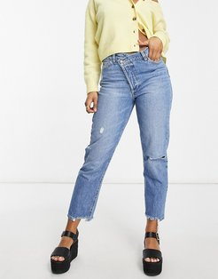 stepped waist mom jeans in medium blue-Blues