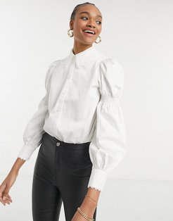 Briona cotton shirt with puff sleeve and lace trim in white