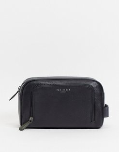 Clings Leather washbag in black