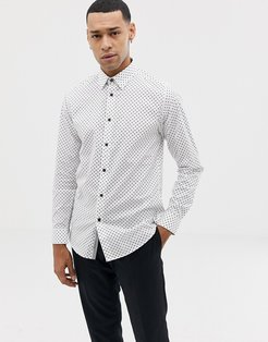 shirt with dot in white