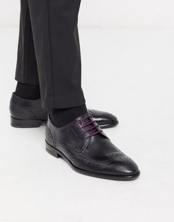 trvss brogue in black