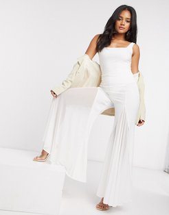 flare pants in white