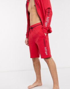 remix logo lounge shorts in red