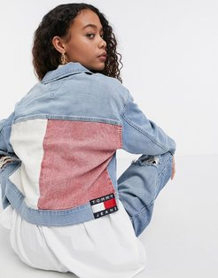 cropped denim jacket with iconic tommy colors in light wash denim-Blue