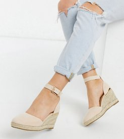 wide fit closed toe wedges in beige-Neutral