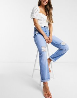 ripped boyfriend jean in mid wash-Blue