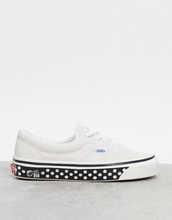 Era 95 spotted print sole sneakers in white