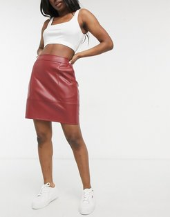 faux leather mini skirt in red