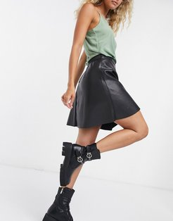 faux leather skirt in black