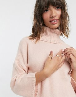 rollneck sweater in pink