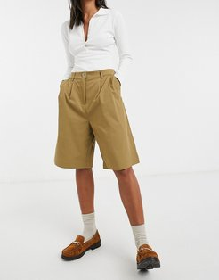 tailoring longline shorts in brown