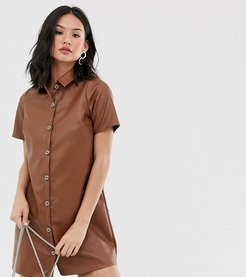 relaxed shirt dress in faux leather-Brown