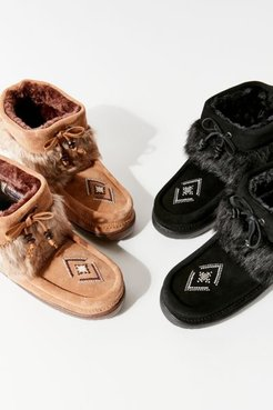 Keewatin Mukluk Winter Boot - Brown 9 at Urban Outfitters