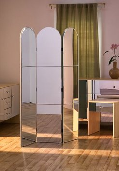 Amaia Mirrored Arc Room Divider Screen - Silver at Urban Outfitters