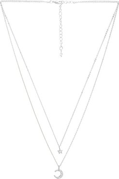 Ethereal Light Layered Necklace in Metallic Silver.