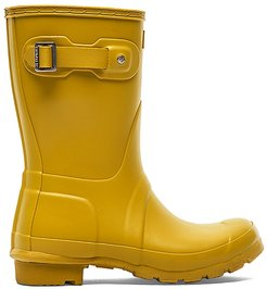 Original Short Rain Boot in Yellow. - size 6 (also in 9)